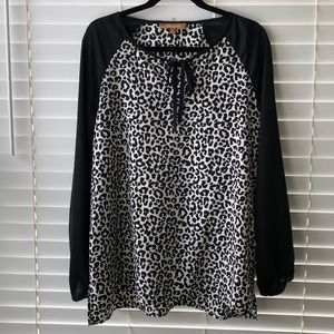 ELLEN TRACY leopard print  black long sleeve top L